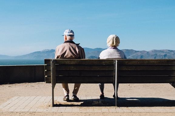 Seniors-on-a-Bench